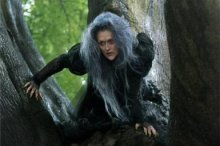Into the Woods - Witch - Photo © Disney